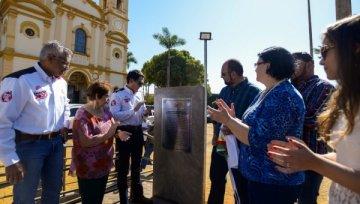 Inaugurado monumento que retrata famílias Marques e Barreto
